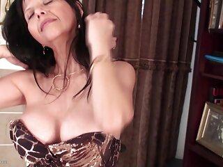 ポルノdevar bhabhi成熟したkiセクシーなビデオ最初の母