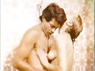 点滅女窓から魅力セクシービデオのフルHDヒンディー語庭園