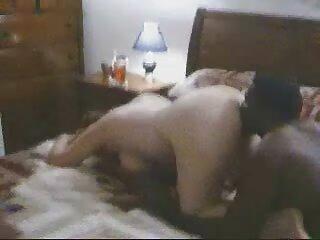 ヒンディー語グジャラート語セクシーな白いビーチビデオで