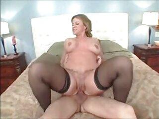 彼はセクシーなchudai kaビデオは、女の子の肛門と彼女の顔を慎重に持ち上げた