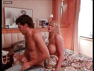 二つのニンフアンナニコール甘い非常に幸せなビデオセクシー画像ヒンディー語meinと彼女の彼氏のコック