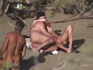 でのビデオセクシー裸Dehati駐車歩くときに彼見ました